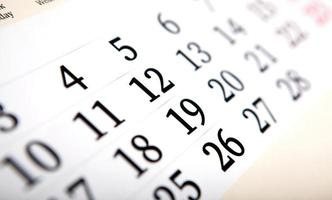 kalenderdagar med nummer på nära håll foto