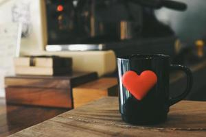 vintage färgton: kopp kaffe i kafé foto