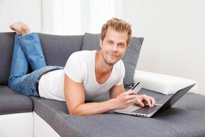 online shopping från ditt hem komfort foto