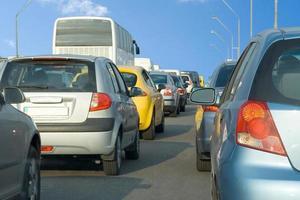 bil linje fast trafikstockning foto