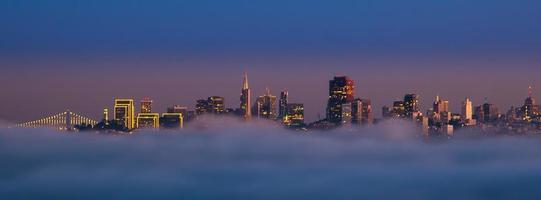 san francisco: stad i molnen foto