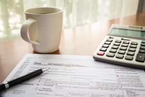 från 1040a, oss individuell inkomstdeklaration foto