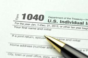 närbild av oss skatteformulär foto