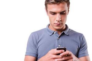 kontrollera inkommande meddelanden. foto