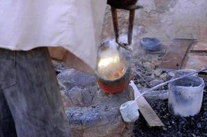 bronsarbetet i burkina faso foto