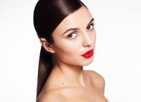 naturligt vacker kvinna med perfekt hud foto