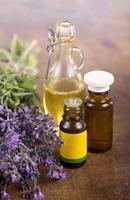 ört Lavendel och eterisk olja foto