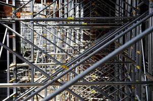 byggnadsställningar på byggarbetsplatsen foto