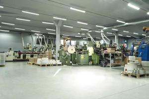 produktionslinje för tryckta etiketter; foto