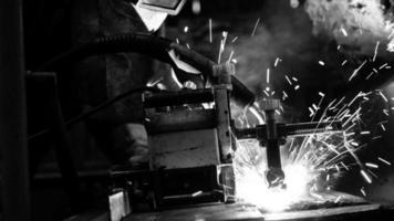 elfördelningshall i metallindustrin
