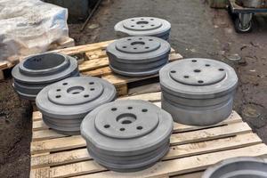 polerade stålprodukter foto