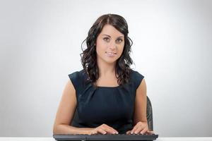 jobbande kvinna foto