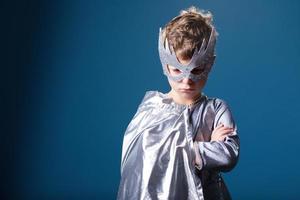 lilla superhjälte porträtt foto