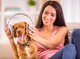 kvinna och hund foto