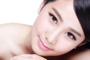 hudvård kvinna leende ansikte