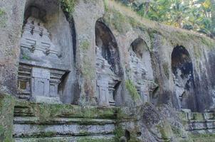candi vid gunung kawi templet i Bali foto