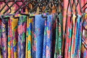 färgglada sarong foto
