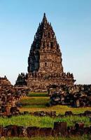 prambananska hinduiska templet förstör yogyakarta java indonesia foto