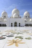 sheik zayed den stora moskén i abu dhabi foto
