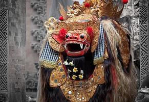 barong - karaktär i mytologin om Bali, Indonesien. foto