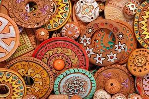 handgjorda etniska lera pärlstavar smycken foto