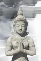 thailändsk gud docka foto