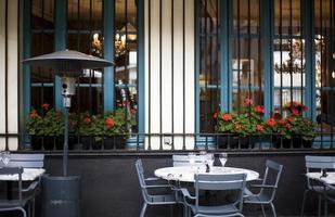 trottoarkafé i Paris
