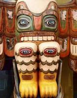 totem med många ögon foto