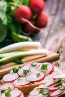 färsk vegetarisk smörgås foto