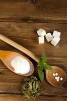 olika former av stevia-sötningsmedel foto