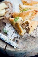 traditionell polsk stekt pierogi foto