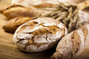 sammansättning med limpa bröd foto
