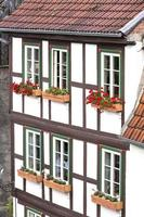 fasad på ett korsvirkeshus i quedlinburg stad, Tyskland foto