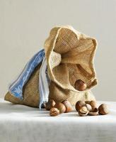 hasselnötter från säck