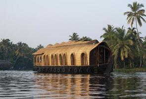 husbåt på allappeys bakvatten foto