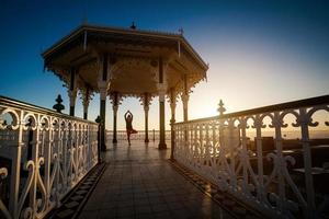 yogasession på ett vackert ställe foto