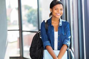 ganska afroamerikansk universitetsstudent