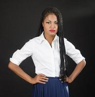säker afrikansk amerikansk affärskvinna