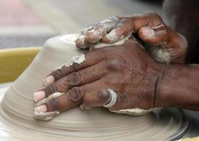 keramiker händer foto