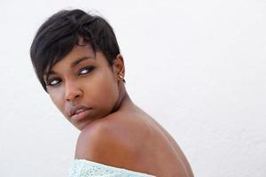närbild elegant afrikansk amerikansk kvinna foto