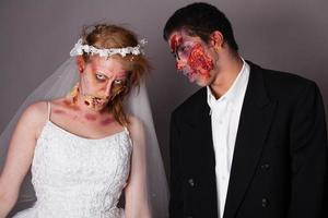 zombie brud och brudgum foto