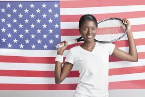 porträtt av en afrikansk amerikansk ung kvinna foto
