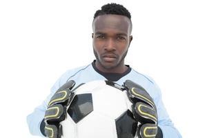 porträtt av en seriös fotbollsspelare foto