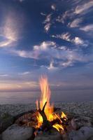 eld och vatten foto