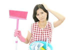 trött asiatisk hemmafru foto