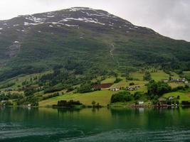 olden fjord, norway foto