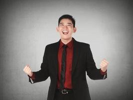 asiatisk affärsman lycklig foto