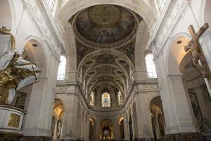interiörer och detaljer om saint roch kyrka, Paris, Frankrike foto