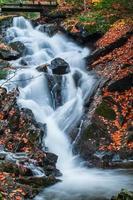 vattenfall i gatineau park foto