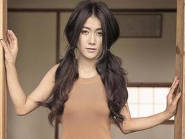 asiatiska leende foto